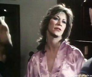 Marilyn Chambers Gets Fucked By 2..
