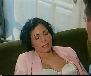 Vintage porn: italian wife..