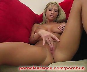 Sammie Rhodes Fingers Her Sweet..