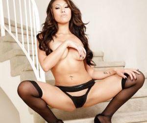 Asian pornstar babe Jayden Lee is masturbating her anal hole