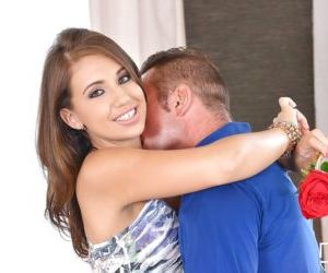 Young beauty Lily G having shaved vagina licked out before..