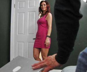 Sexy MILFs with big tits Tiffany Mynx & Syren DeMer..