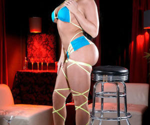 Latina solo girl Nikki Delano flaunting big booty in sexy..