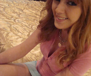 Amateur girlfriend Marie McCray shows her big tits and..