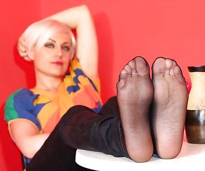 Sexy looking blonde girl with awesome feet loves foot fetish