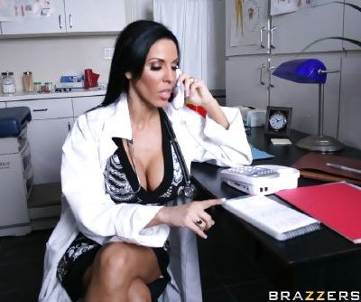 Hot babe Veronica Rayne is fucking hardcore in her doctor